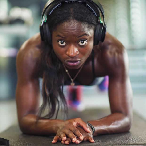 De Halo Sport koptelefoon helpt je brein om beter te trainen