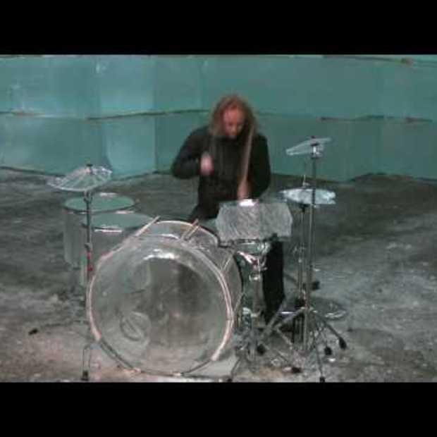 Hellacopters drummer in Icehotel Jukkasjärvi part (1)