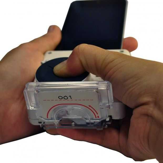 Medische smartphone dongel kan HIV en Syfilis binnen een kwartier opsporen