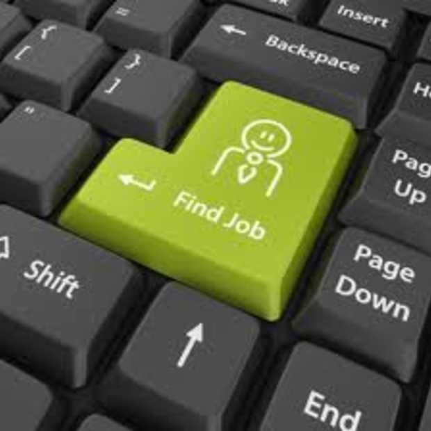 Hoe Facebook, LinkedIn en Twitter helpen bij het vinden van een baan