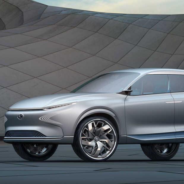Op waterstof aangedreven Hyundai FE Fuel Cell Concept in Nederland