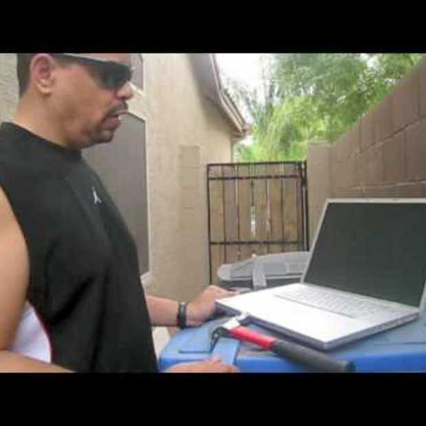 Ice T Repairs a Macbook