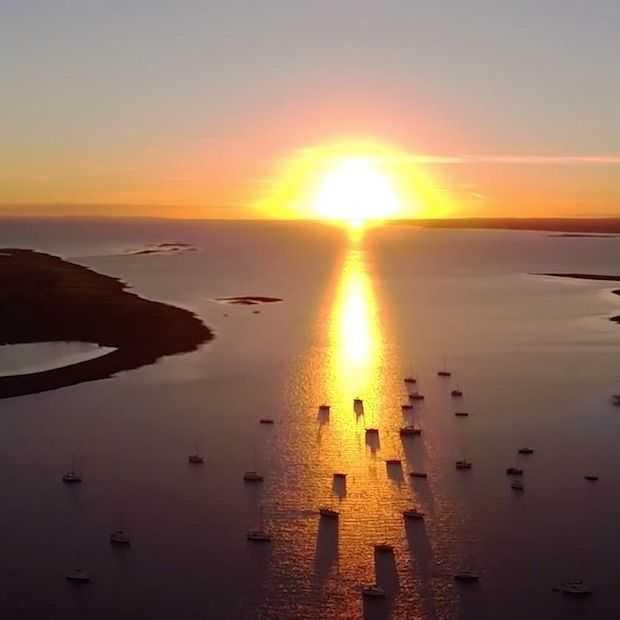 Prachtige drone-beelden van Ierse kust