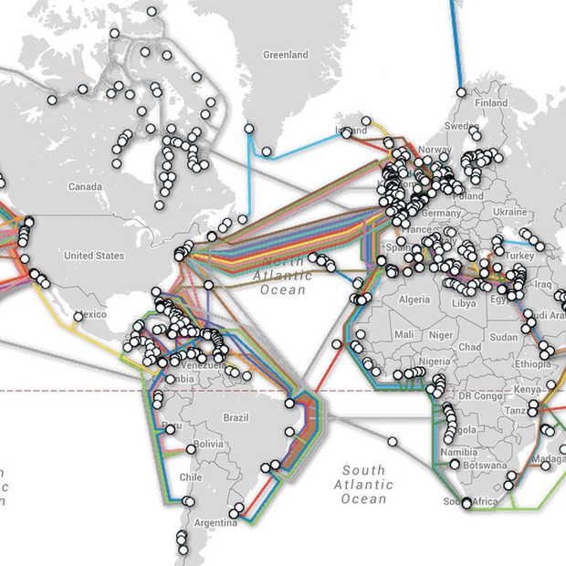 Map toont de duizenden kilometers kabel verborgen onder de oceaan