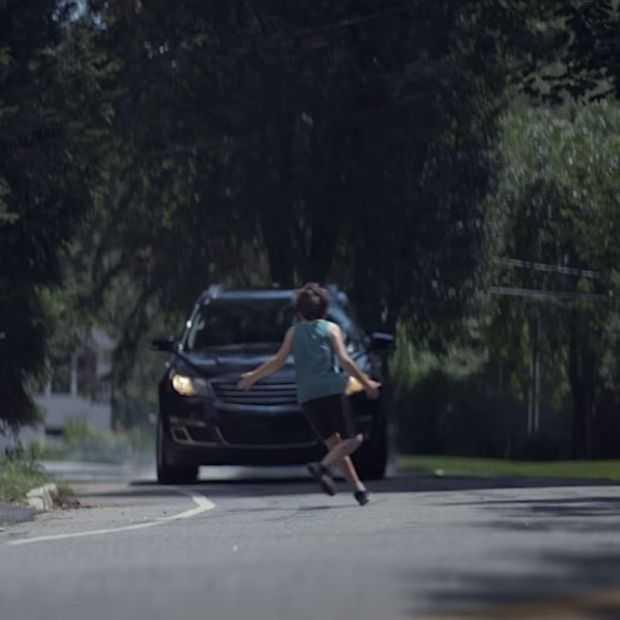 Schokkende korte film over smartphonegebruik in het verkeer