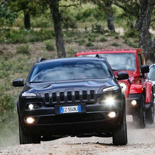 Jeep en Harley-Davidson ontmoeting tijdens het Euro Festival