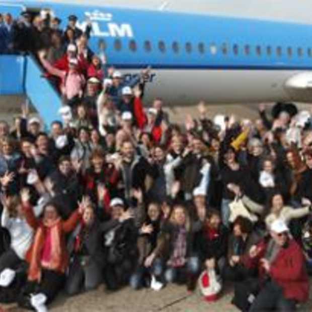 KLM vliegt @Slijterijmeisje en haar 99 Twittervrienden naar Berlijn