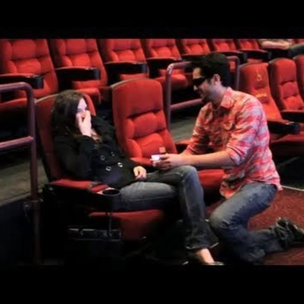 Weekend viral : Movie Trailer Proposal (MysteryGuitarMan)