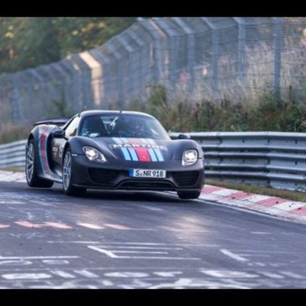 Nordschleife vs. Porsche 918 Spyder