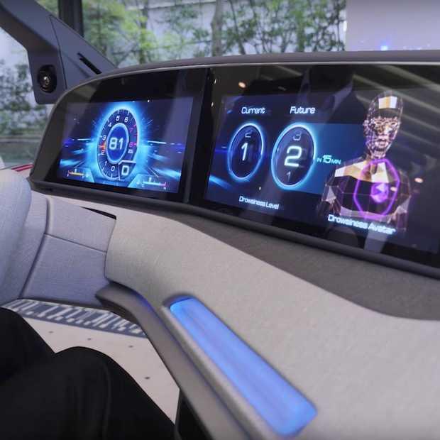 Dit slimme systeem van Panasonic voorkomt slaperig worden in de auto