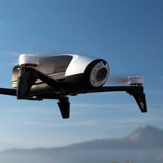 CES Nieuws: Parrot verrast met te gekke nieuwe ultralichte drones en een tuinierrobot