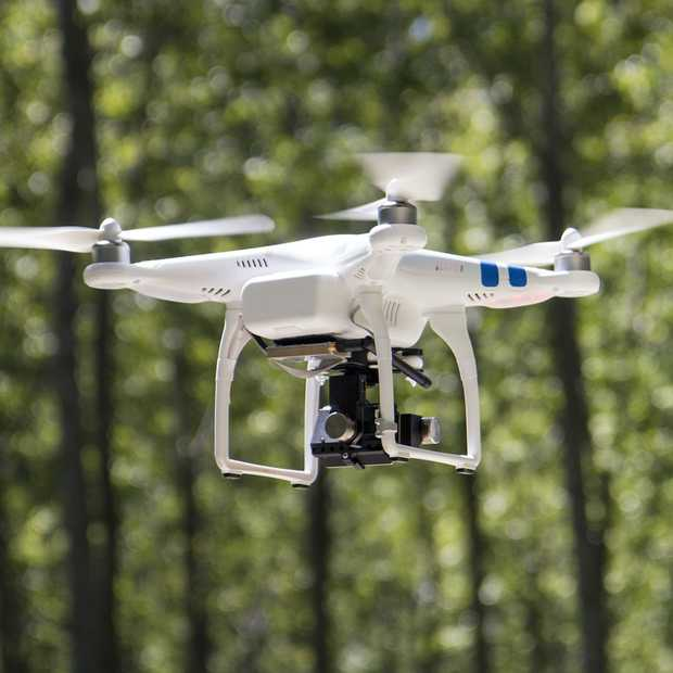 Politie speurt overtredende dronepiloten op met 'drone-athon'