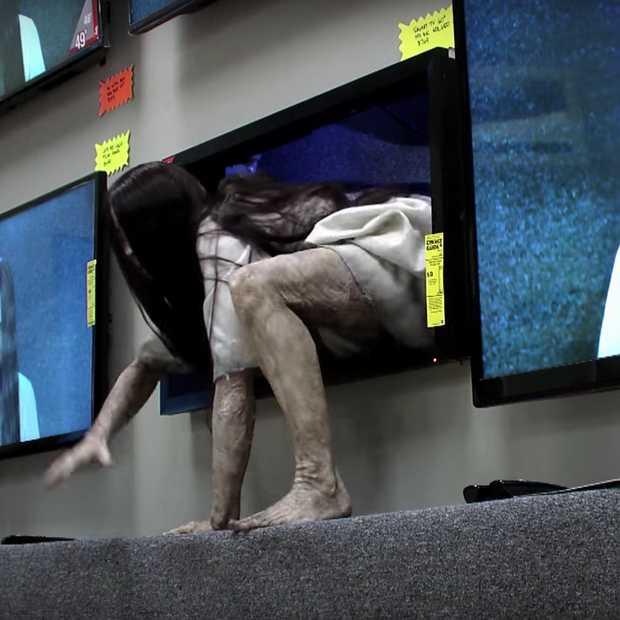 Geniale prank: horrorfilm Rings komt tot leven in winkel in NYC