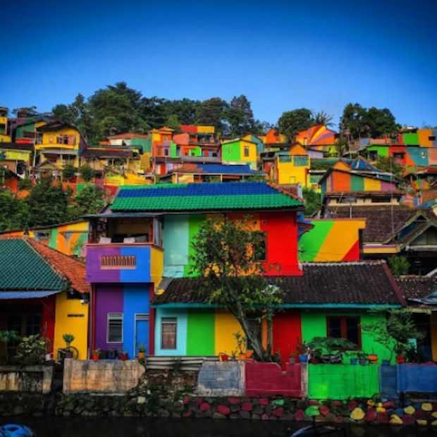 Viral op Instagram: 'The Rainbow Village'