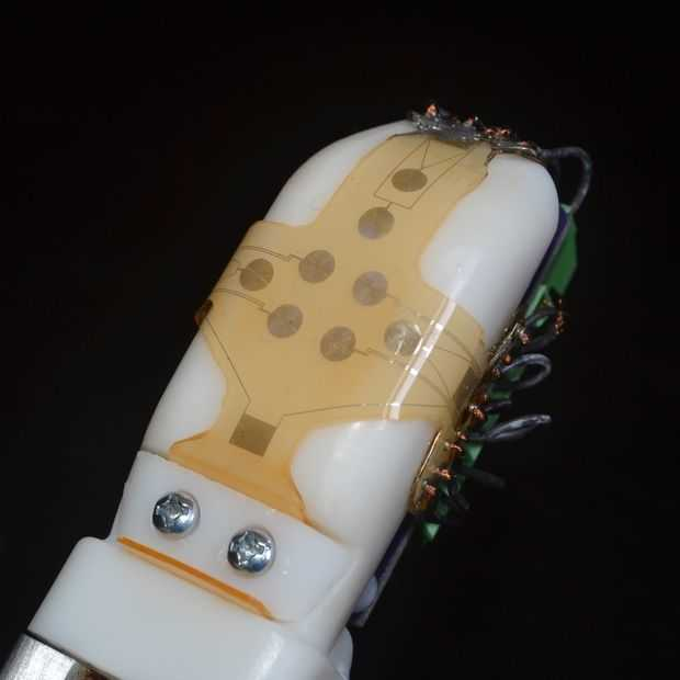 Robots hebben binnenkort ook tast door nieuwe 'huid'
