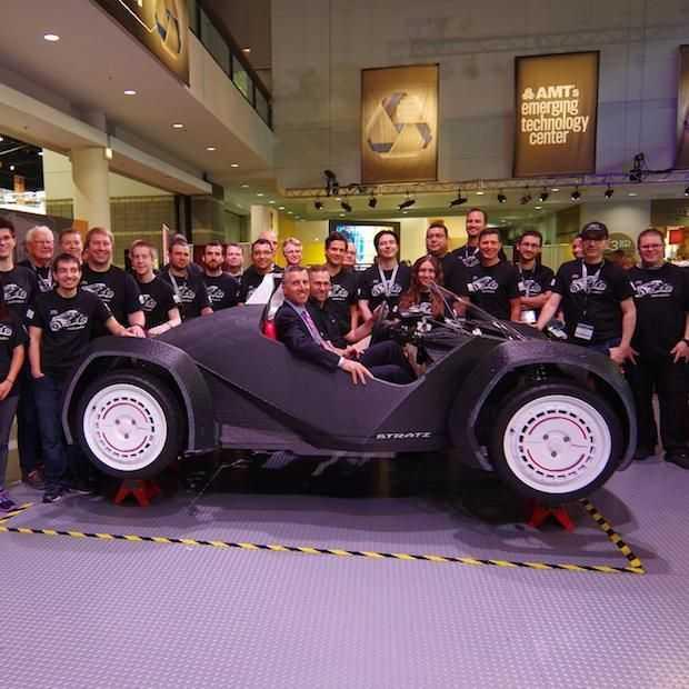 De eerste 3D-geprinte auto rijdt!