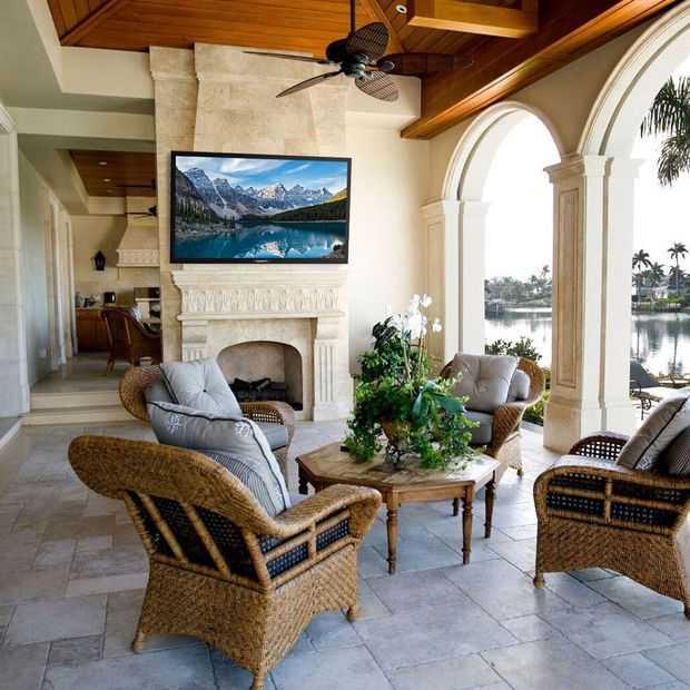 SunBriteTV: een 4K tv die je zo buiten kunt ophangen