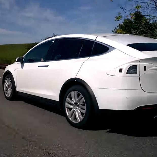 Autopilot-functie van Tesla redt leven door naar eerste hulp te rijden