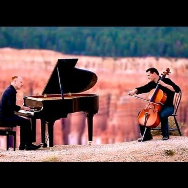 Viral Video : David Guetta Titanium / Pavane (Piano/Cello Cover)