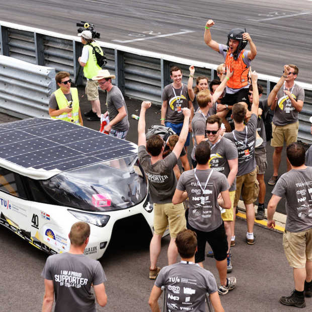 Solar Team Eindhoven start in World Solar Challenge