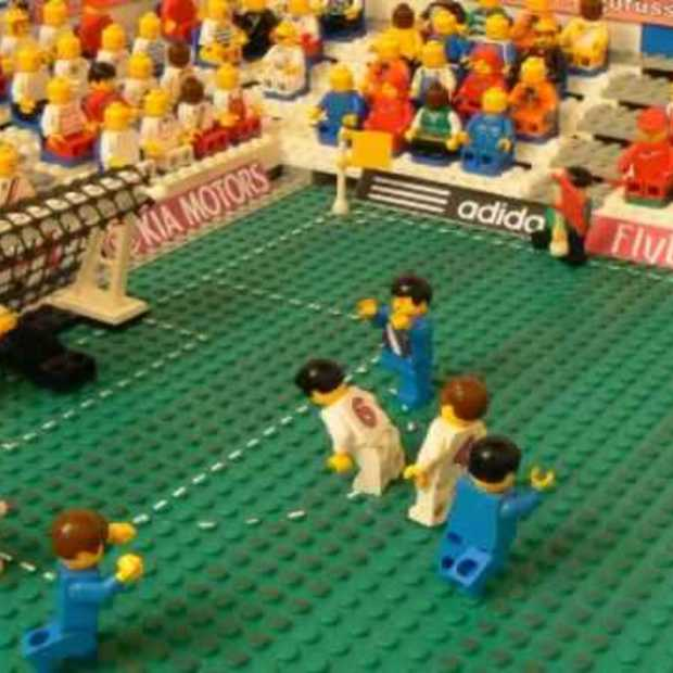 England vs USA in Lego