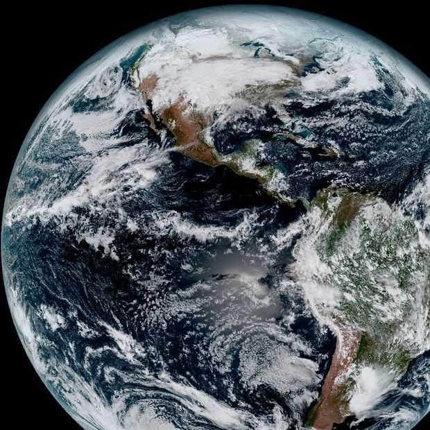 Prachtige foto's uit de ruimte laten zien hoe mooi onze planeet is