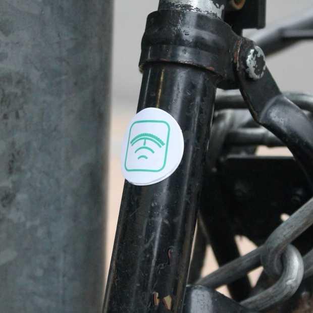 Vergeten waar je fiets staat? Slimme sticker WheelReveal helpt