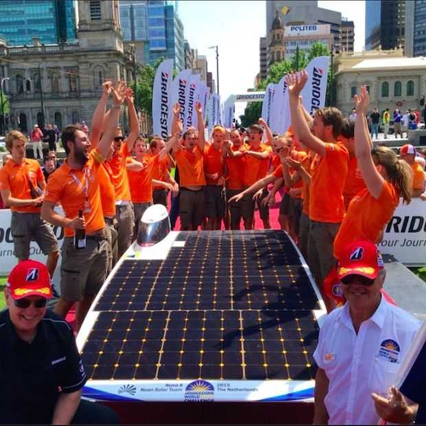 Studenten TU Delft winnen World Solar Challenge