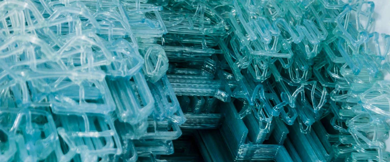 Nieuwe 3D printer maakt stoel uit één lijn plastic van 2,3 kilometer