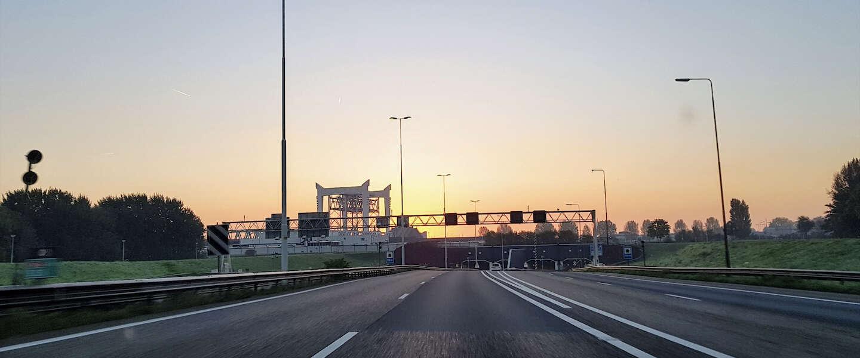 Nieuwe levensgevaarlijk rage, Rotterdam - Breda binnen 10 minuten