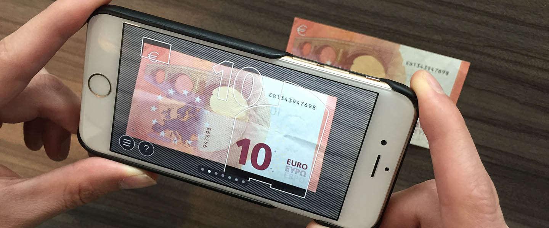 De 'Echt of Vals' app scant eurobiljetten op echtheid
