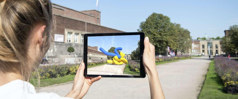 Augmented Reality kunst kijken met je smartphone in een digitale beeldentuin