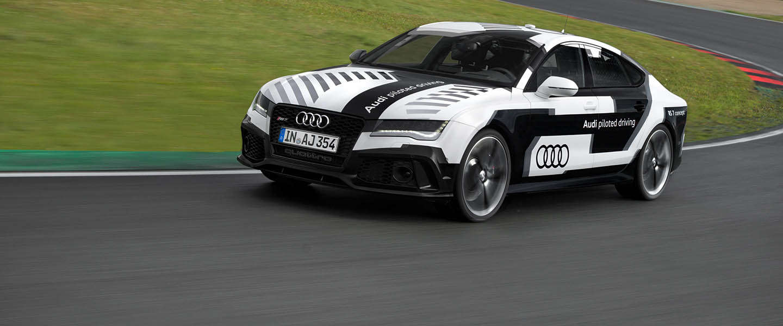 Autonoom rijdende Audi RS 7 racet over Hockenheimring