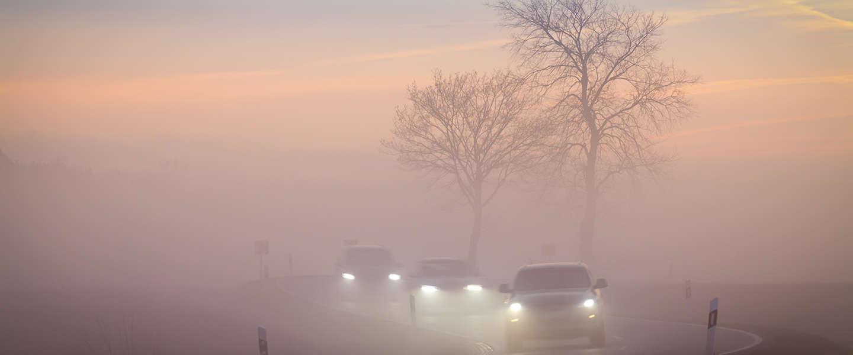 Met dit nieuwe systeem is autorijden in de mist een stuk veiliger