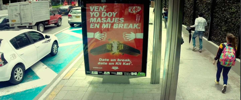 Deze KitKat billboards geven je een massage!