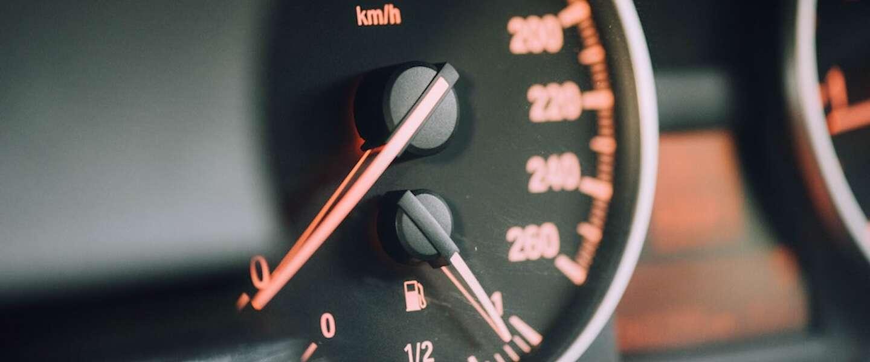 Nederlanders besparen graag op brandstof en zo doe je dat!