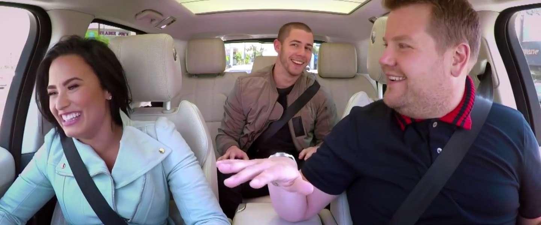 James Corden Carpool Karaoke met Demi Lovato en Nick Jonas