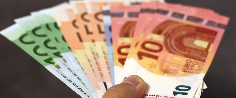 Contactloos cash geld pinnen met je telefoon