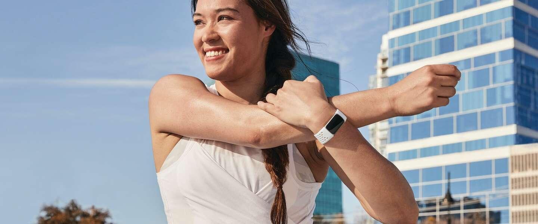 Fitbit Charge 5 wordt de grootste concurrent van de Fitbit Sense