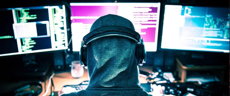 15-jarige middelbare scholier helpt zijn school digitaal veiliger te worden