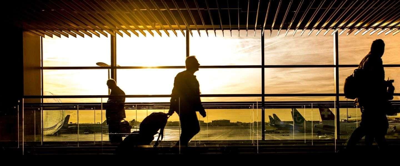 Docent Luchtvaarttechniek TU Delft: 'Laag besmettingsgevaar in het vliegtuig'