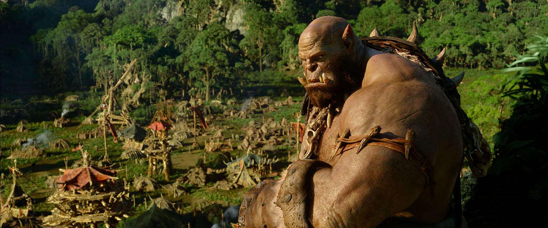 Winactie: Een replica van 'Doomhammer' & 2 kaarten voor Warcraft: The Beginning