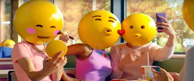 Iedereen is een emoticon in 'McDonald's Emoticon City'