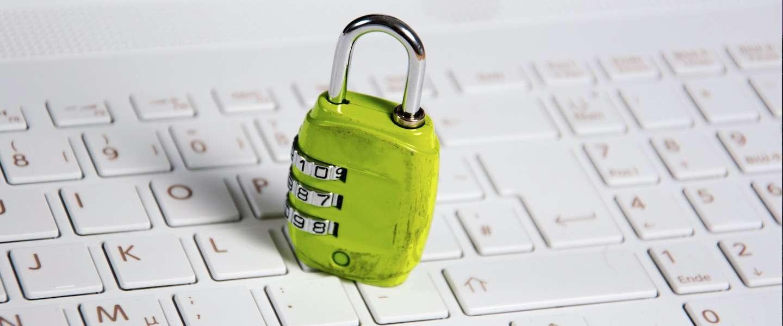 Je Facebook-account kun je nu beveiligen met een echte sleutel