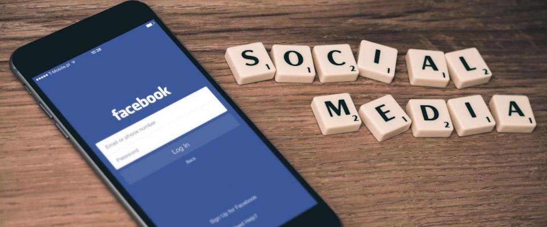 Facebook gaat ouders waarschuwen bij delen van kinderfoto's
