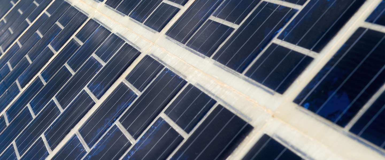 Frankrijk opent de eerste weg met zonnepanelen