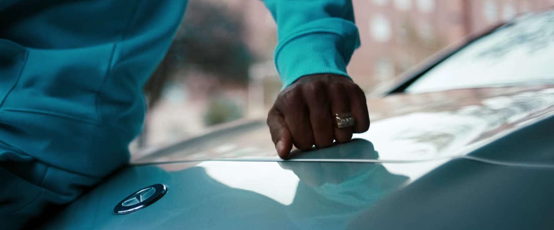 Mercedes-Benz toont ongekend veel lef met hun nieuwe campagne 'Grow up'