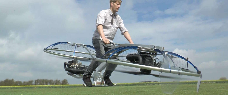 Deze YouTuber vliegt op een zelfgemaakte hoverbike