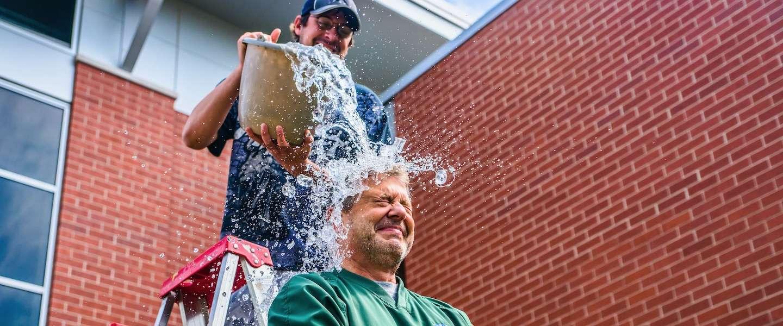 Ice Bucket Challenge leidt tot doorbraak in ALS-onderzoek