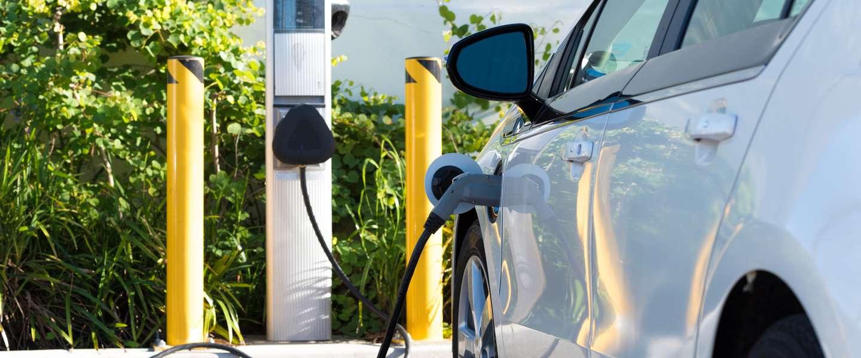 Gaan we vanaf 2035 alleen maar elektrisch rijden?